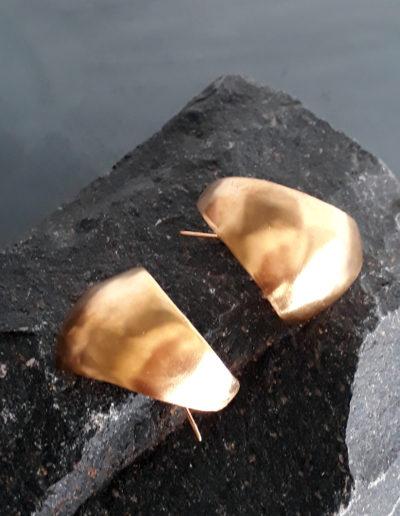 Eggshell earrings